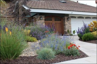 Beautiful Front Yard Rock Garden Design Ideas 10
