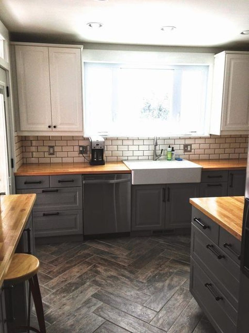 Best White Kitchen Cabinet Design Ideas 20