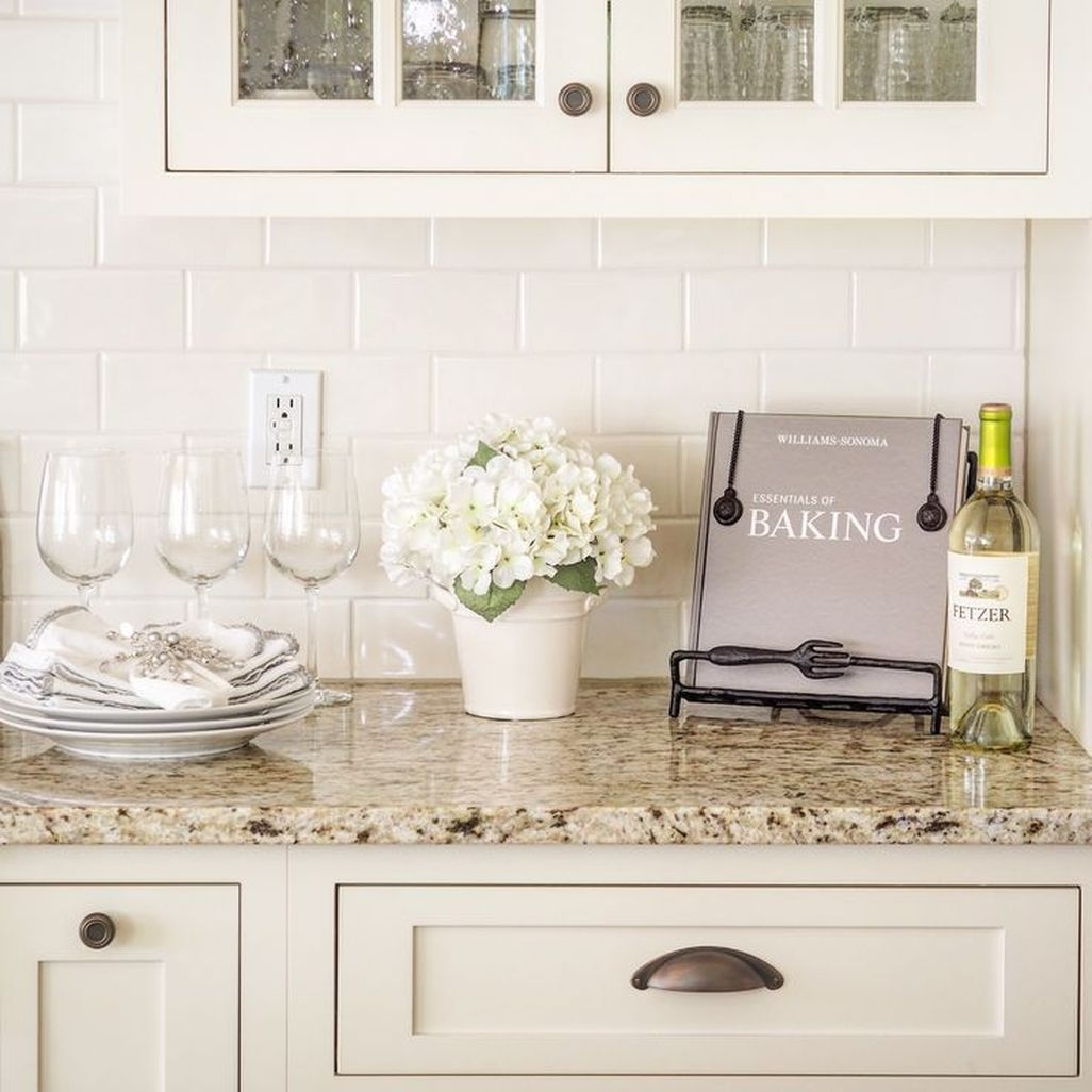 Best White Kitchen Cabinet Design Ideas 36