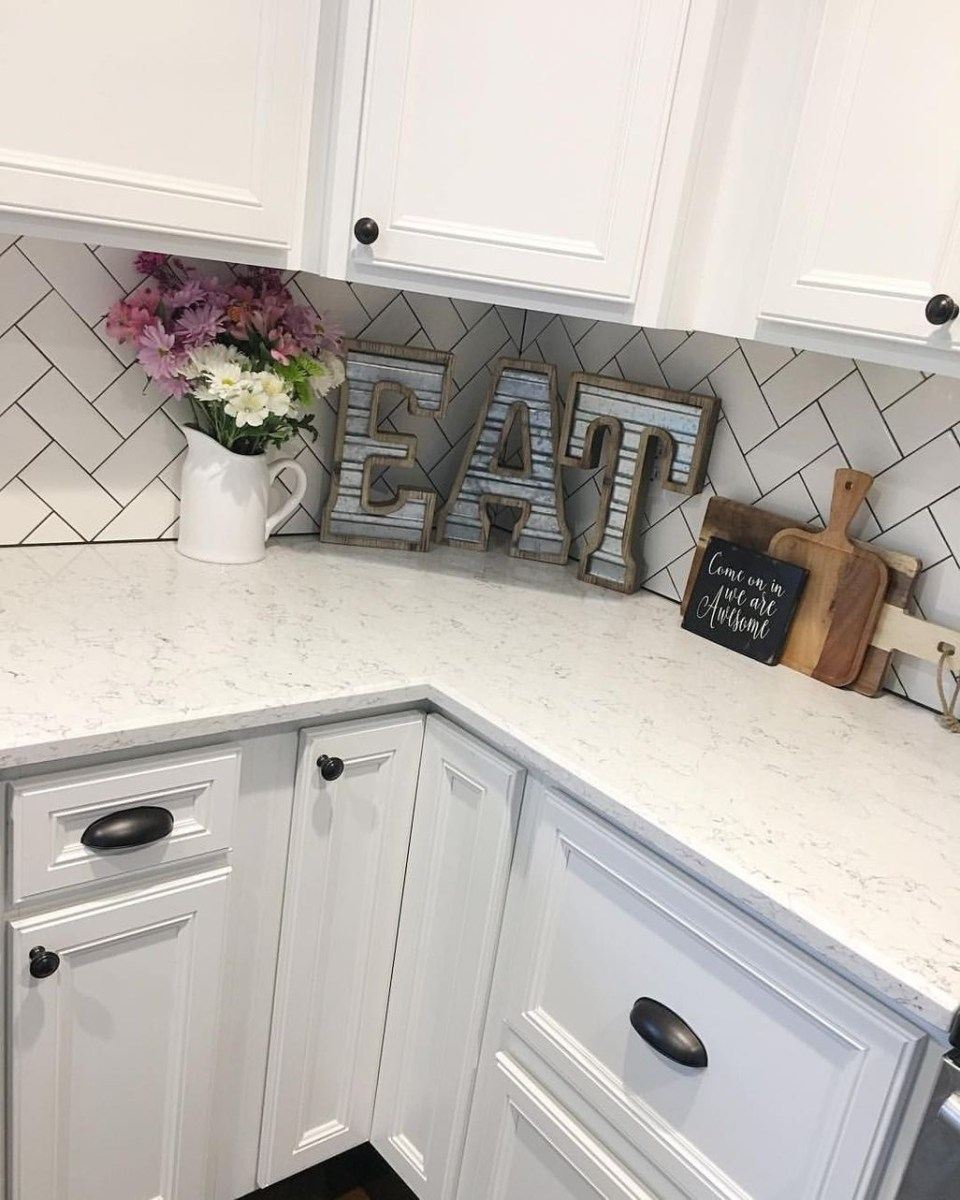 Cute Farmhouse Decoration Ideas Suitable For Spring And Summer 23