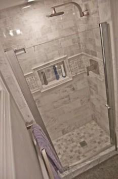 Fresh Rustic Farmhouse Master Bathroom Remodel Ideas 23