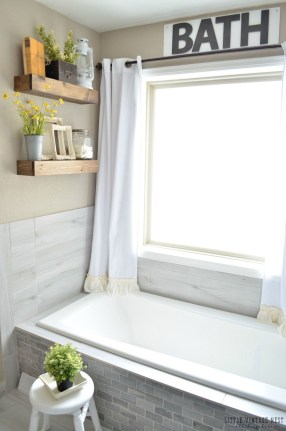 Fresh Rustic Farmhouse Master Bathroom Remodel Ideas 27