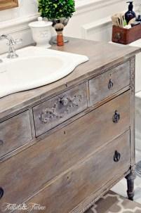 Fresh Rustic Farmhouse Master Bathroom Remodel Ideas 30