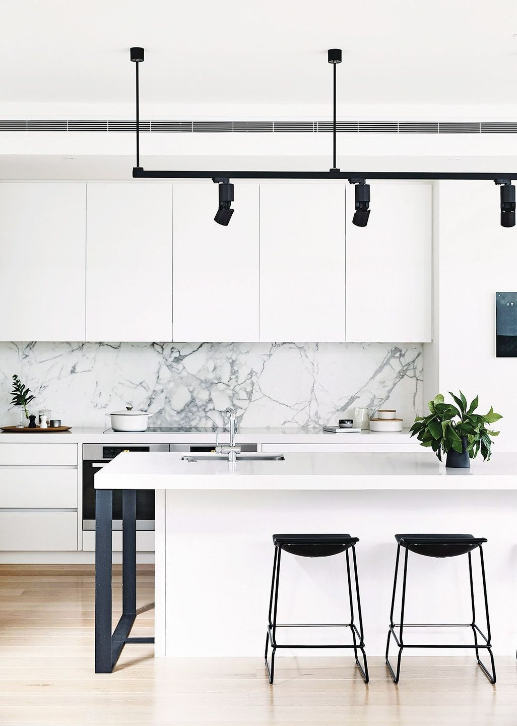 Modern And Minimalist Kitchen Decoration Ideas 29