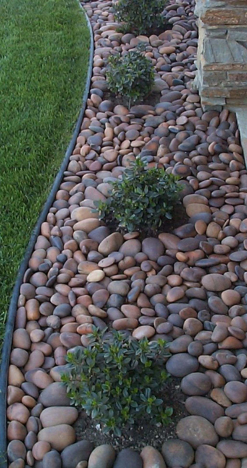 Stunning Front Yard Walkway Landscaping Design Ideas 08