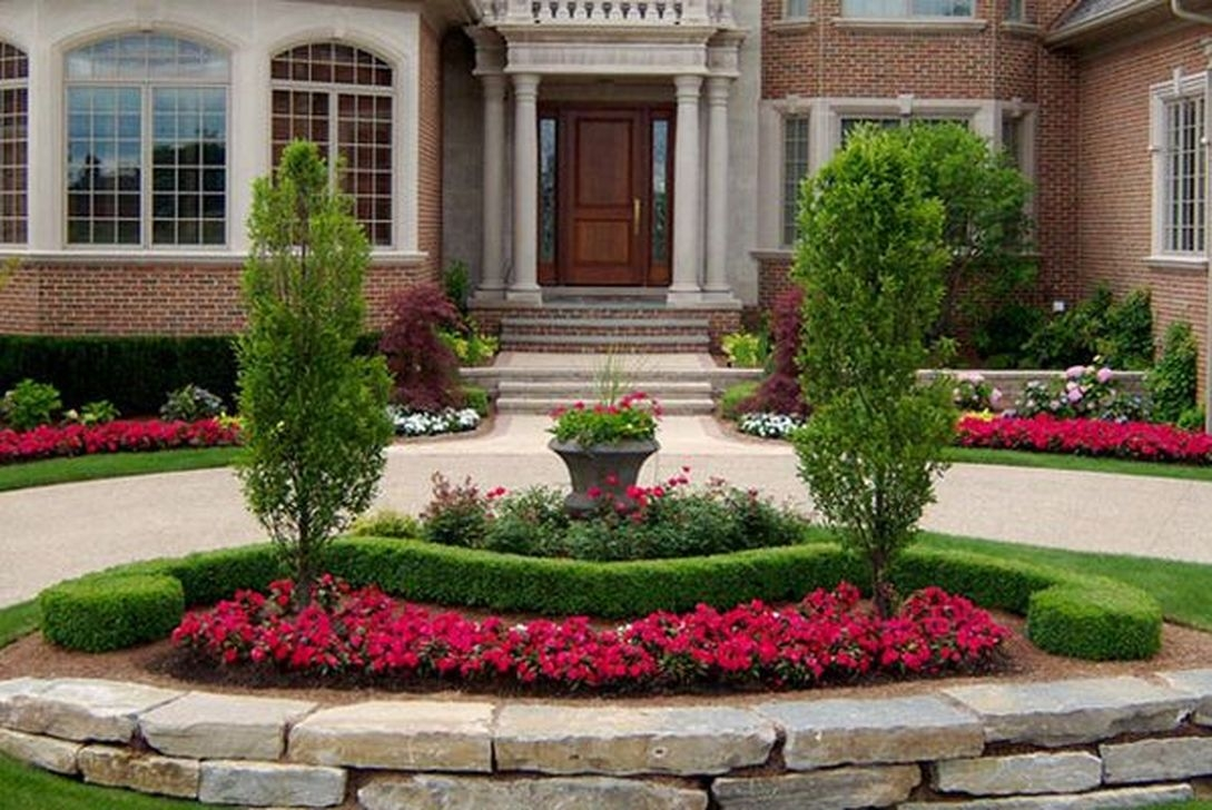 Stunning Front Yard Walkway Landscaping Design Ideas 19