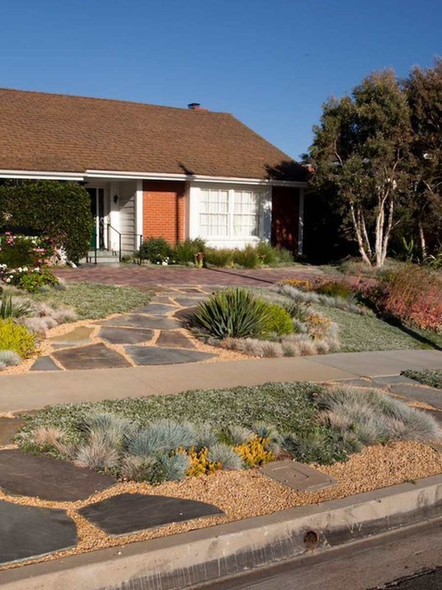 Stunning Front Yard Walkway Landscaping Design Ideas 21