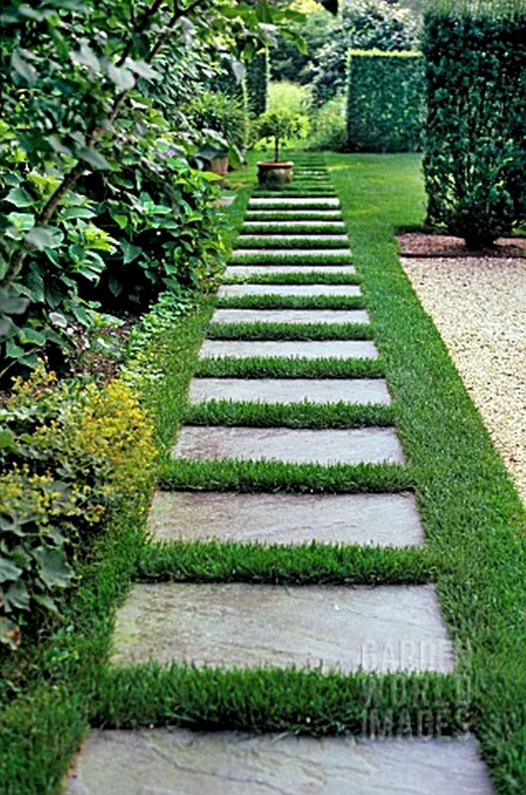 Stunning Front Yard Walkway Landscaping Design Ideas 22