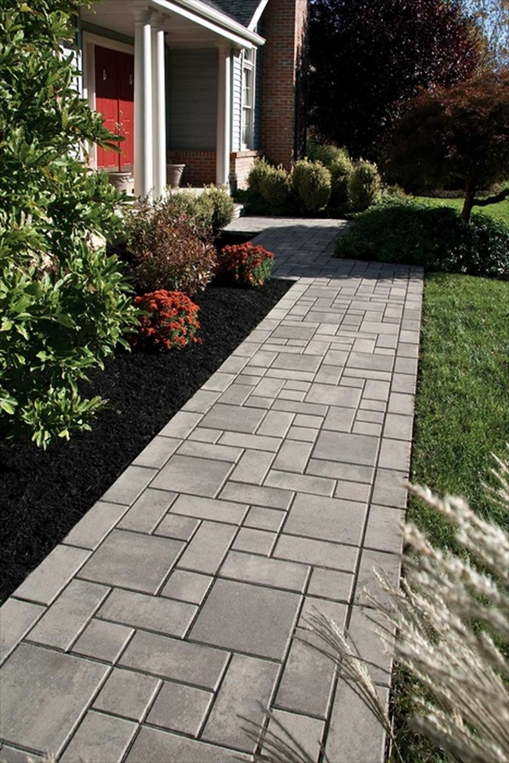 Stunning Front Yard Walkway Landscaping Design Ideas 30