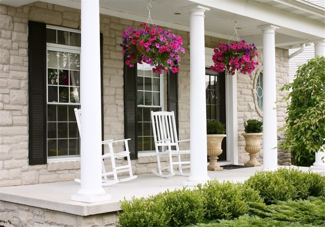 10 Gorgeous Front Porch Decorating Ideas For Stunning Home