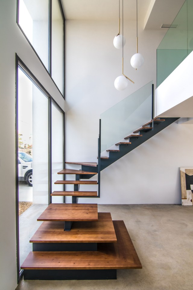 12 Unique Stairway Design Ideas That You Need To Imitate