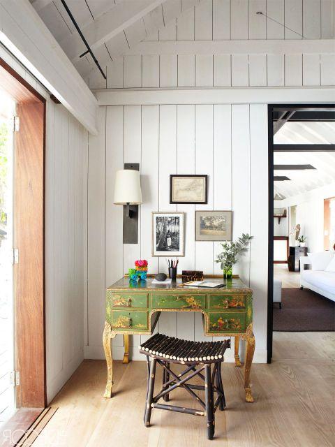 14 Ways To Decorate An Awkward Corner Living Room Corner