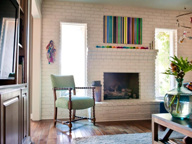15 Ideas For Decorating Your Mantel Year Round Hgtvs