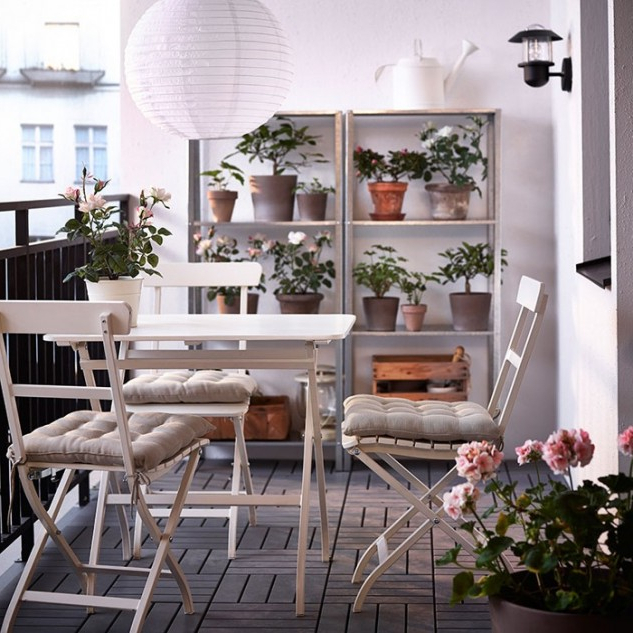 15 Superb Small Balcony Designs