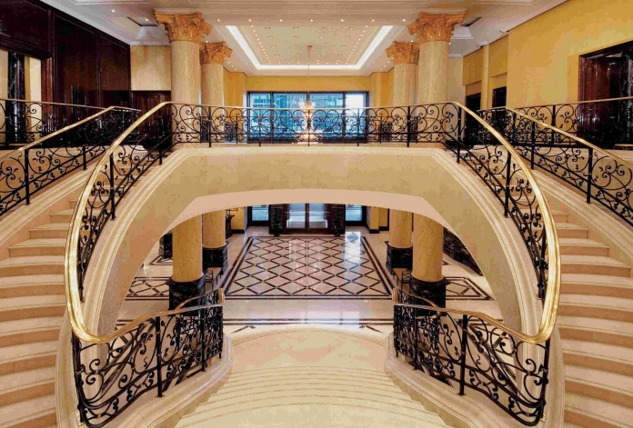 16 Outstanding Mansion Staircase Designs