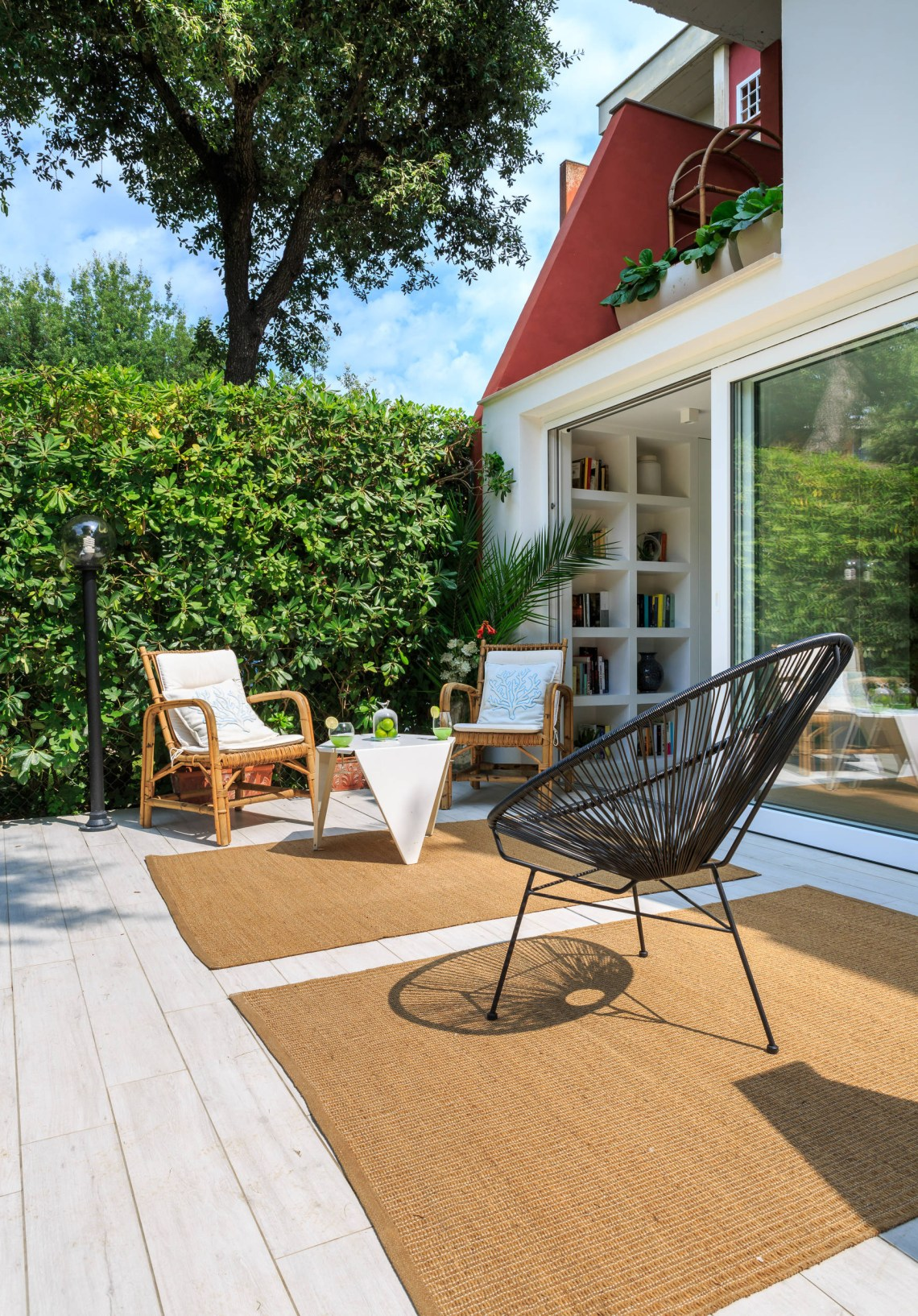 16 Stunning Modern Deck Designs That Will Extend Your Home