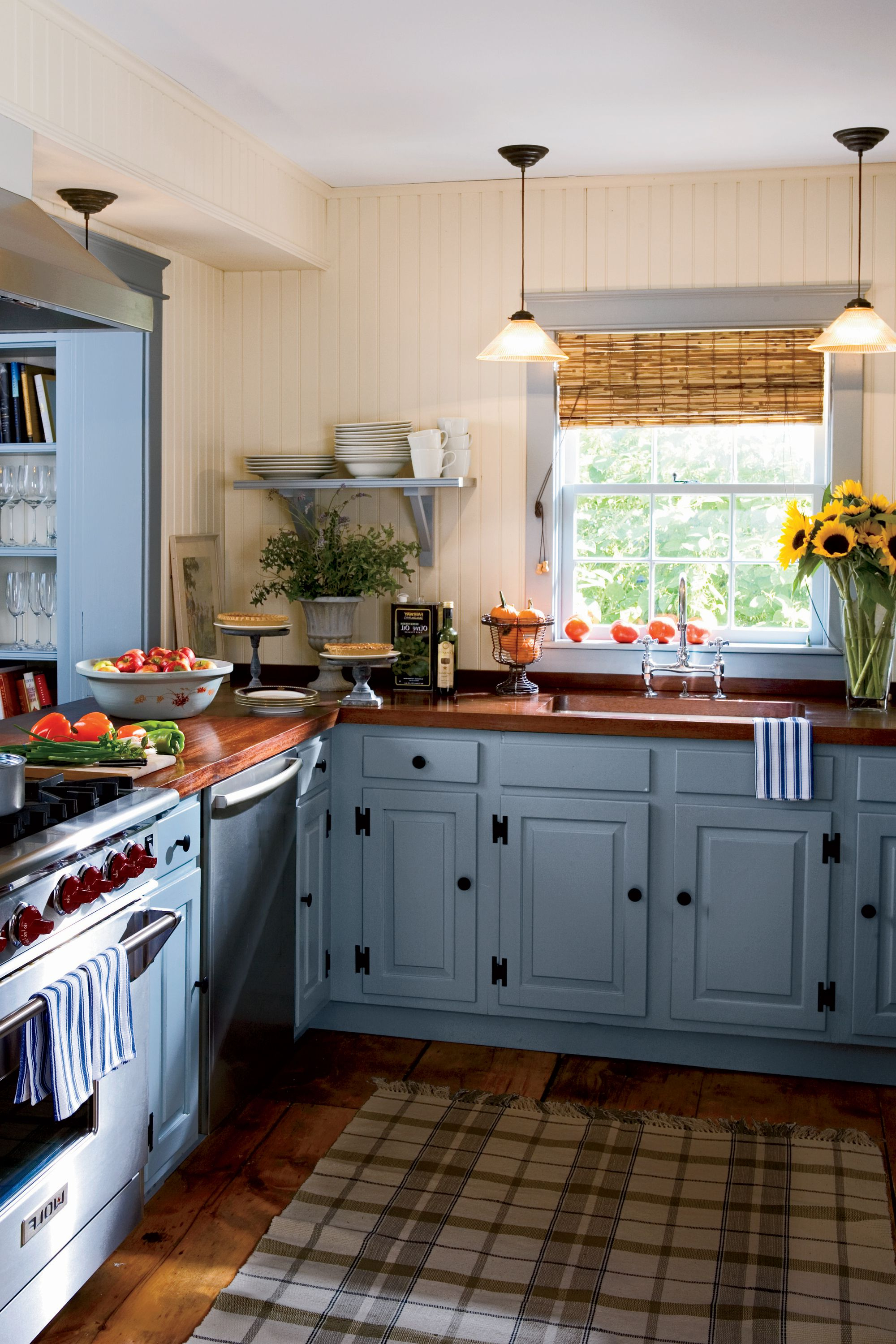 24 Creative Color Ideas For Your Next Kitchen Reno