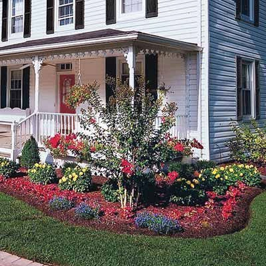 30 Gorgeous Farmhouse Landscaping Front Yard Ideas