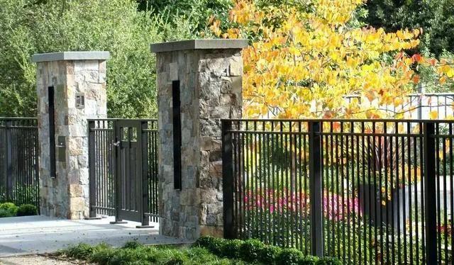 41 Gorgeous Modern Fence Design Ideas To Enhance Your