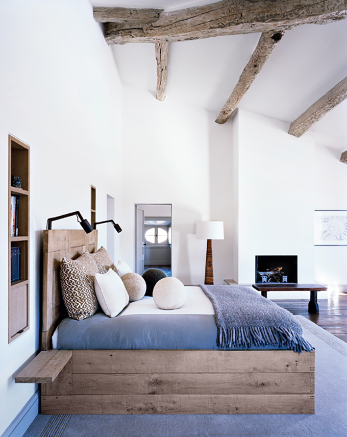 43 Impressive Bedroom Designs With Exposed Wood Beams