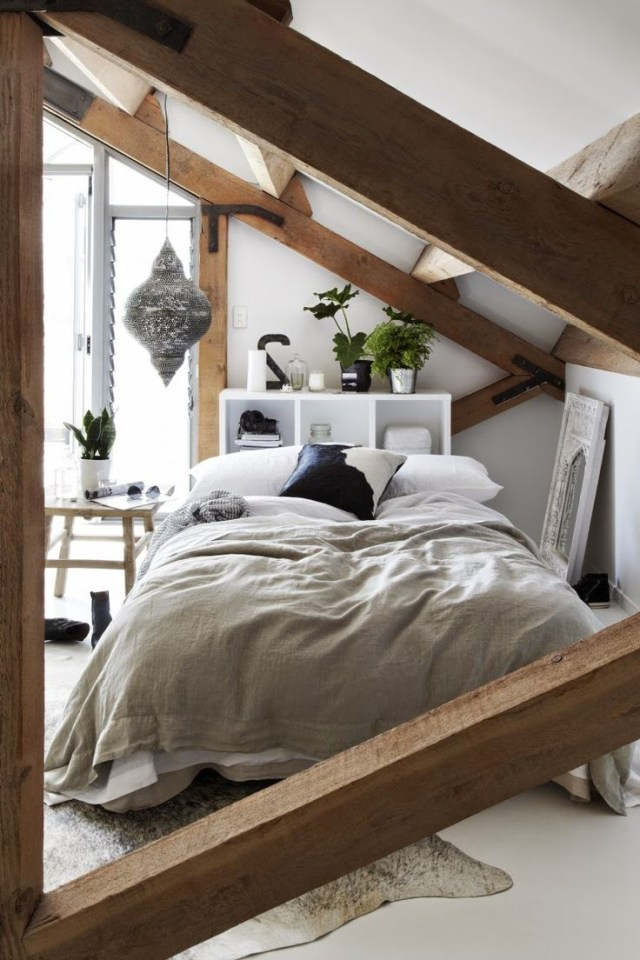 43 Impressive Bedroom Designs With Exposed Wood Beams