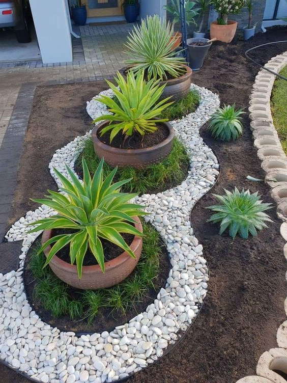 46 Affordable Beautiful Front Yard Landscaping Ideas On