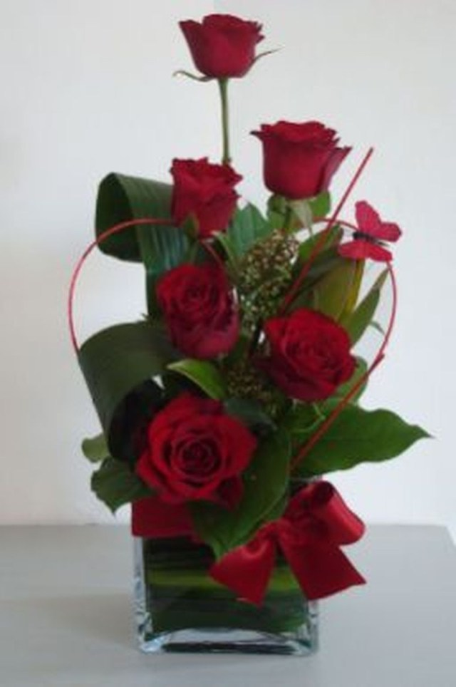 49 Marvelous Rose Arrangement Ideas For Your Girlfriend