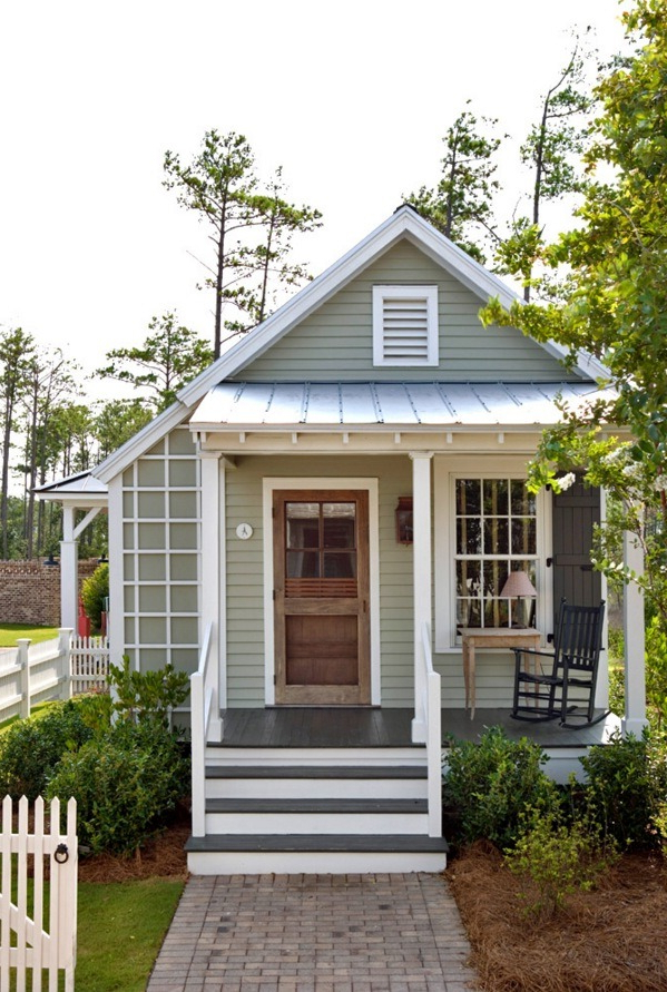 493 Sq Ft Studio Style Cottage With First Floor Bedroom