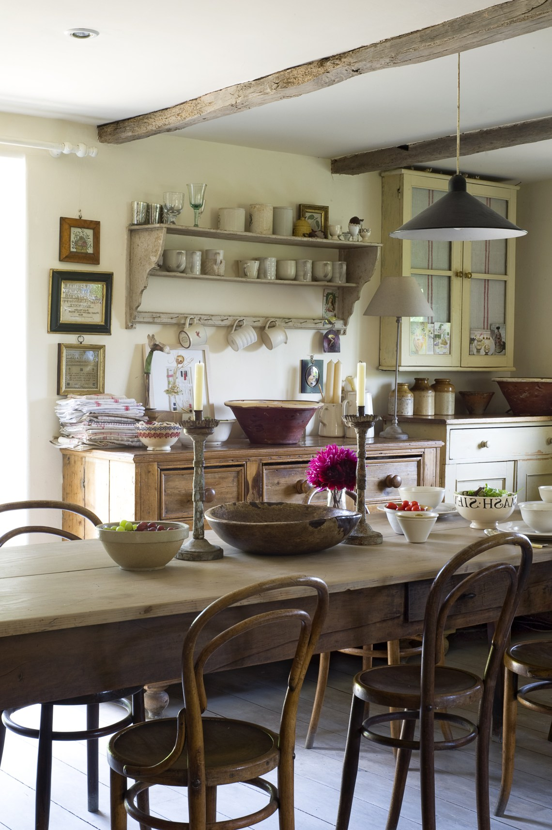 6 Tips To Make Your Kitchen Feel Brighter