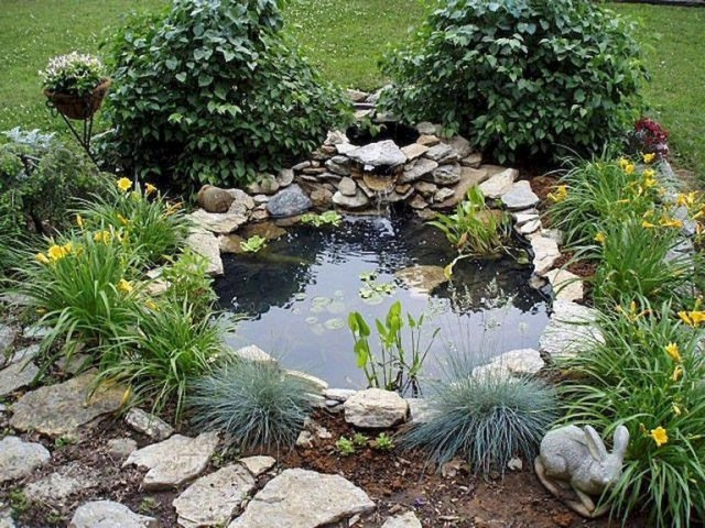 63 Lovely Small Front Yard Landscaping Ideas Ponds For