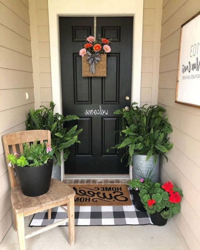 64 Beautiful And Simple Front Porch For Summer Design 27