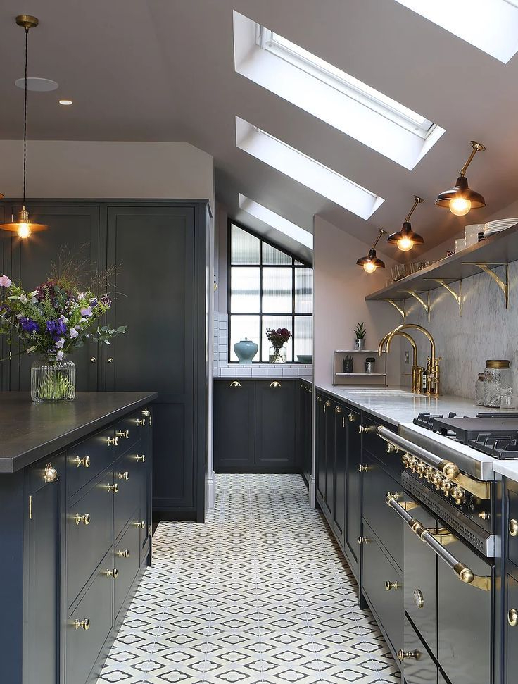 Amazing Kitchen Design With Touches Of Gold In 2019