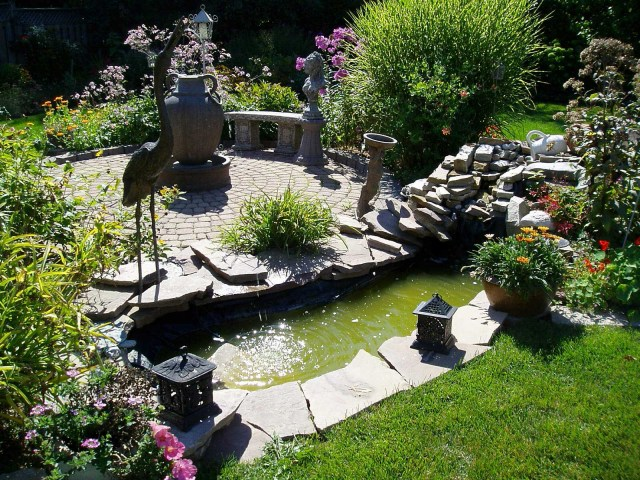 Backyard Landscape Ideas With Natural Touch For Modern