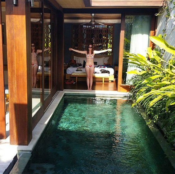 Beautiful Backyard Pool Chilling Space For Summer And A