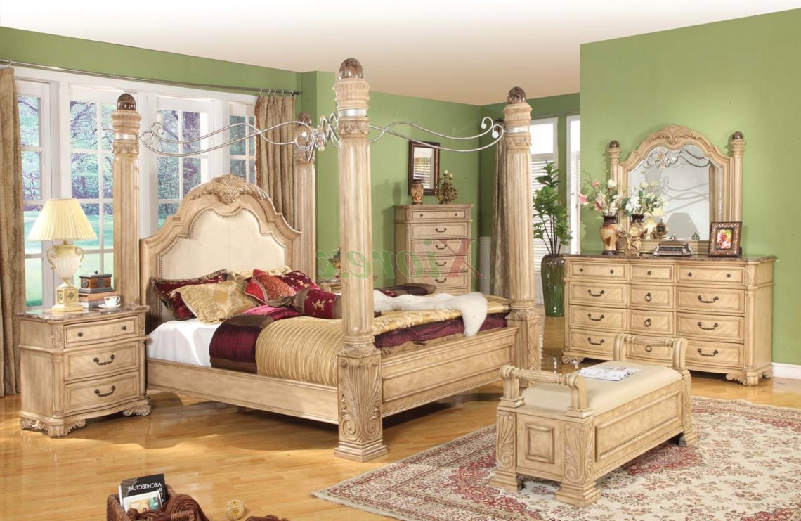 Bedroom Elegant And Traditional Style Of Canopy Bedroom
