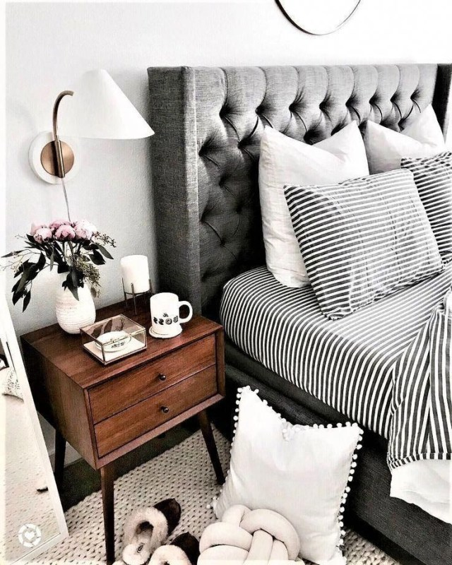 Cozy Bedrooms Wearing Black And White Take A Look At