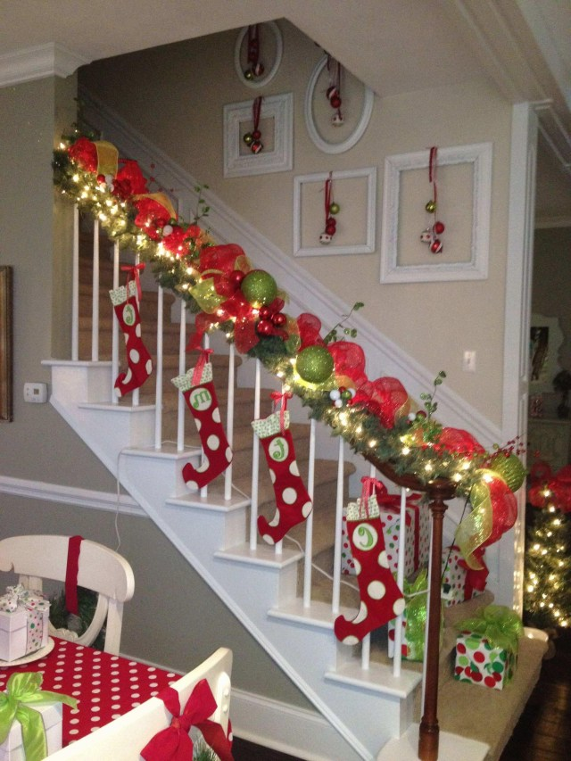 Decorating Banisters For Christmas With Ribbon