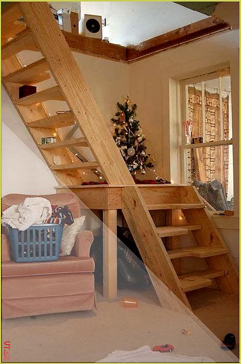 Eine Dachbodenleiter Ist Eine Einziehbare Treppe Die Von