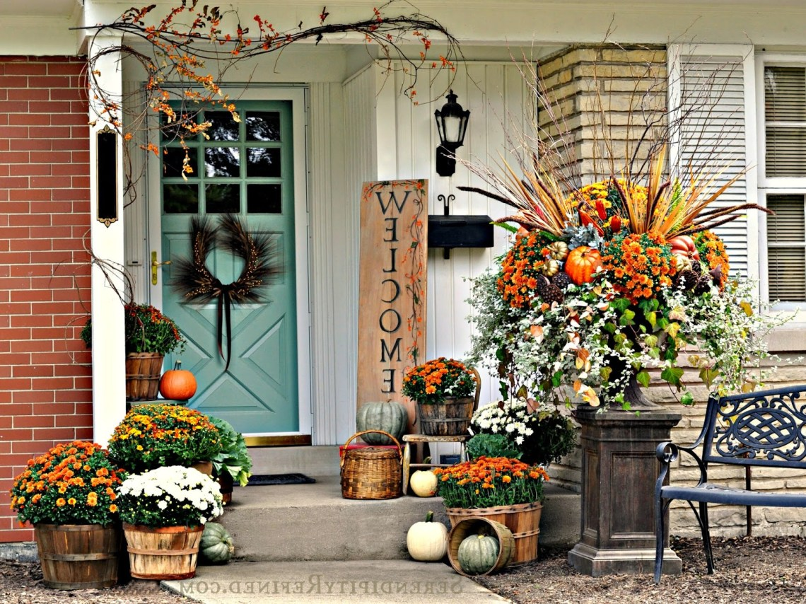 Fabulous Outdoor Decorating Tips And Ideas For Fall Zing