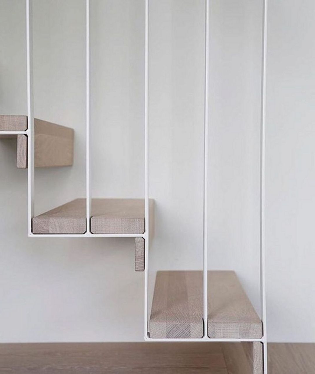 Floating Stairs 3417 Decorathing