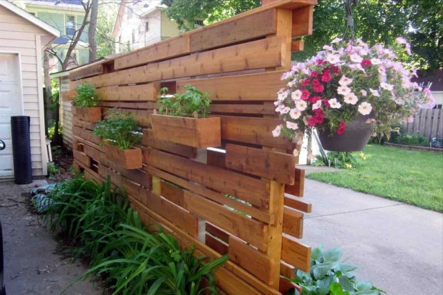 Gorgeous Privacy Wall Planter Design Ideas To Make Your