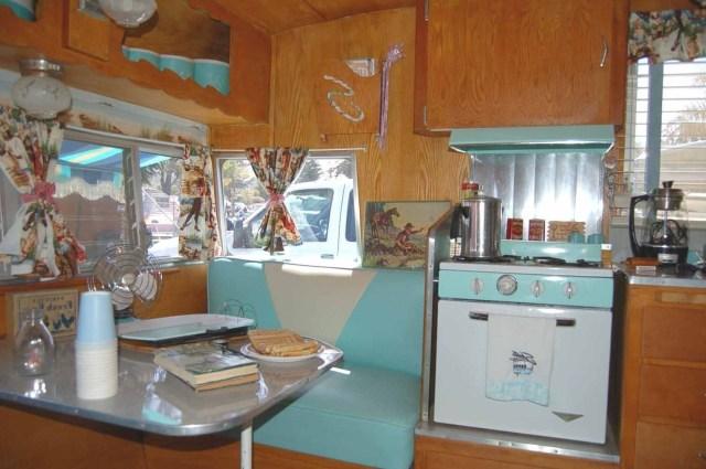 Gorgeous Shasta Vintage Camper Trailer Remodel Ideas 1962