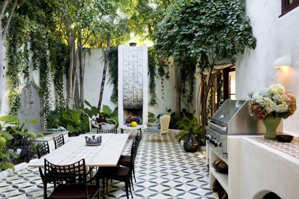 Ideas For Cozy And Beautiful Outdoor Dining Area
