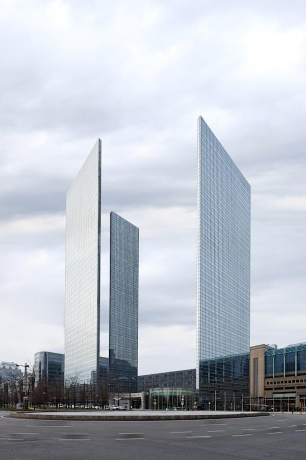 Inspirational Arhitectura Neobisnuita Skyscraper