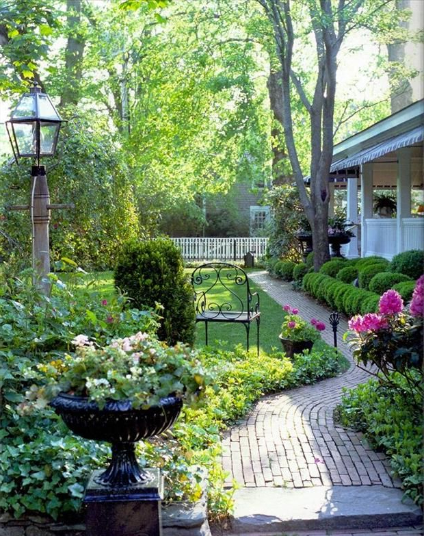Marthas Vineyard With Images Beautiful Gardens