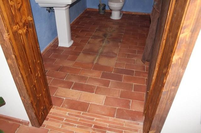 Non Slip Bathroom Floor Tiles High Gloss Flooring Ideas