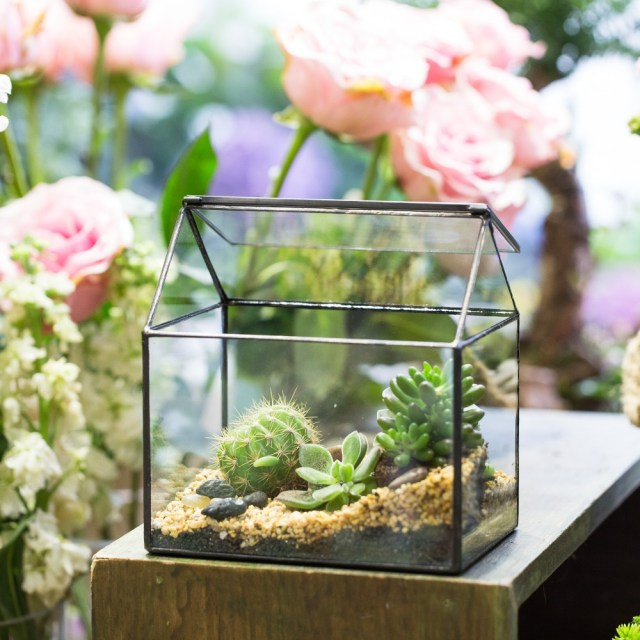 Pastoral Handmade House Shape Glass Geometric Terrarium