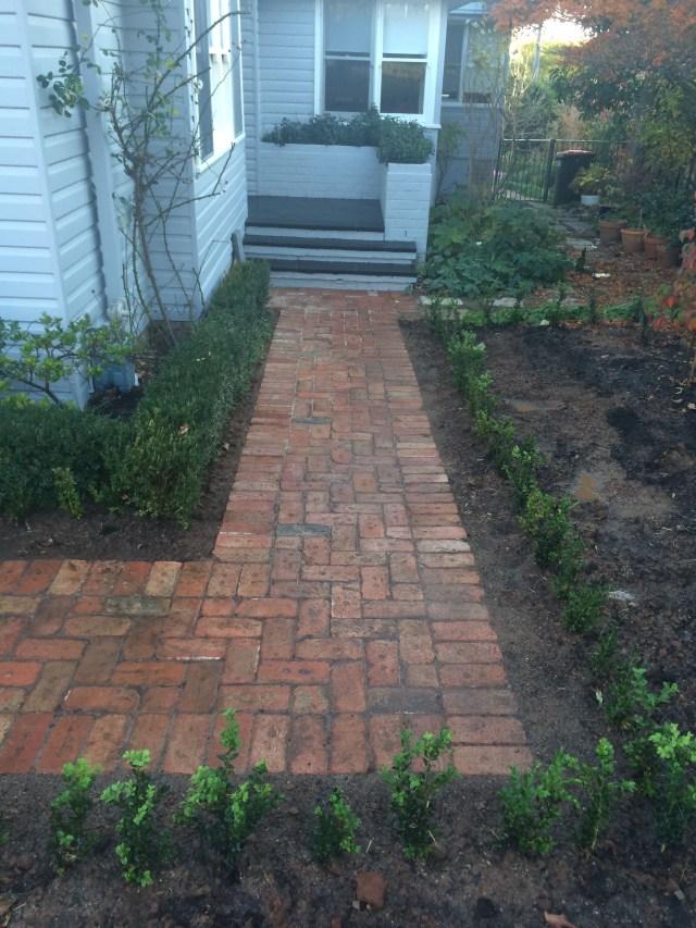 Paving Using Canberra Red Bricks Walkway Design