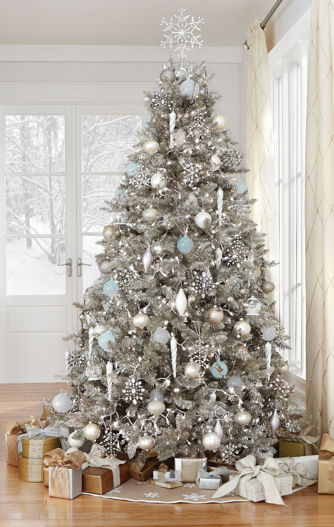 Stunning In Silver Homedecorators Holiday2015