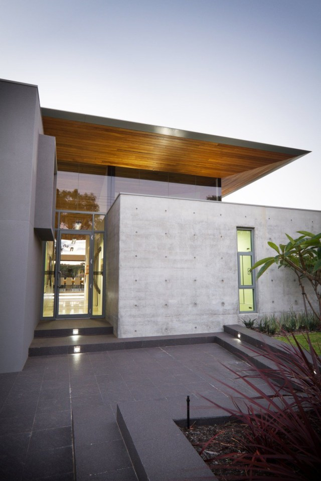 Ultra Modern Stressed Concrete And Glass Home I Have A
